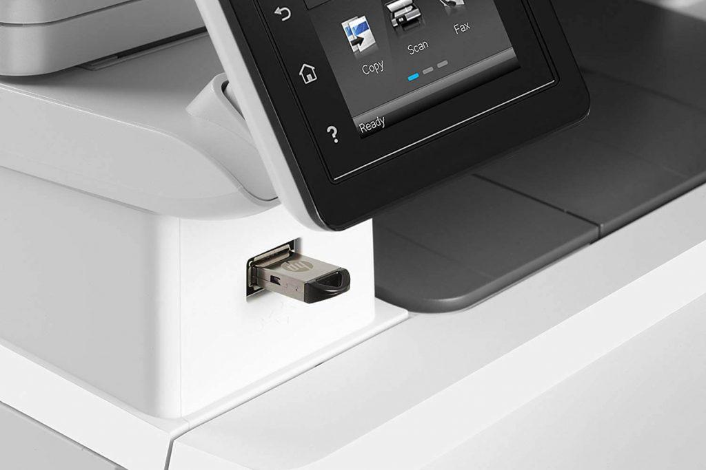 port usb en façade imprimante laser HP M281FDW